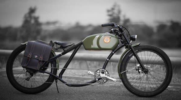 よりバイクらしい外観の「OtoR」  確かに、夏にはちょっと暑苦しいルックスかも?