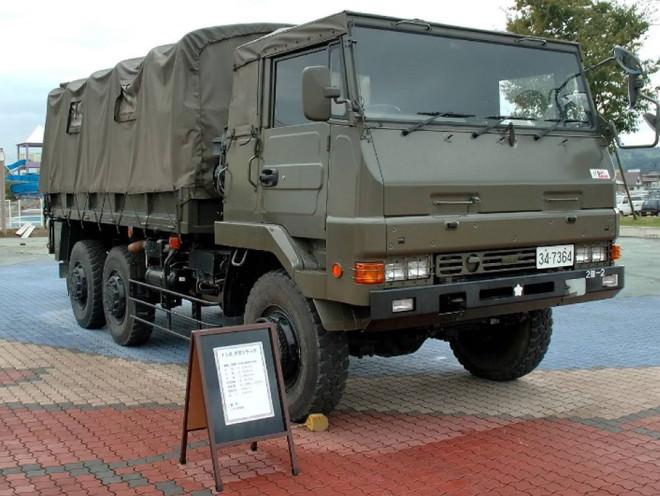 防衛省自衛隊東京地方協力本部が出展するトラック