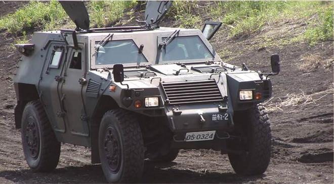 防衛省自衛隊東京地方協力本部が出展する軽装甲機動車