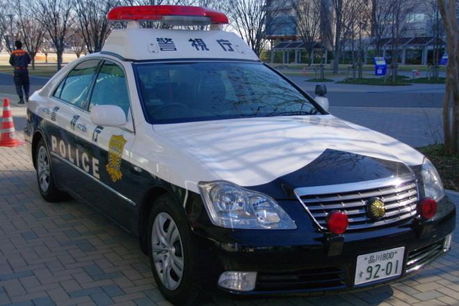 東京湾岸警察署のパトカー