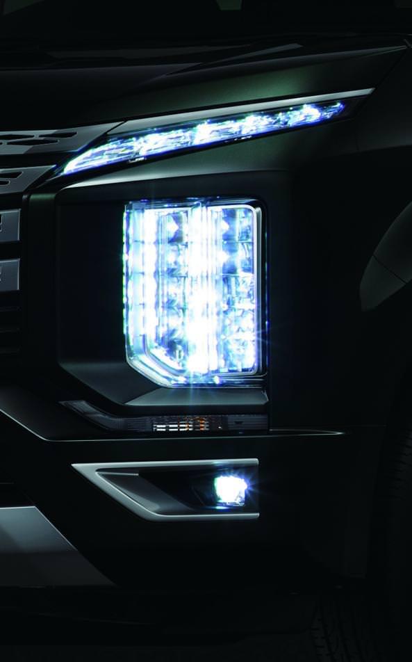 新型デリカD:5 マルチLEDヘッドライト